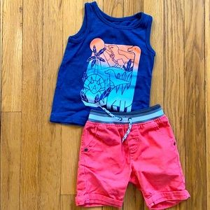 Super cute shorts and tank outfit